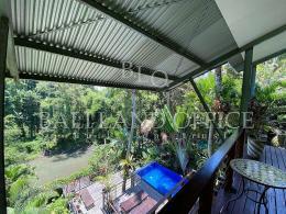 Treetop Villa Nyanyi 11